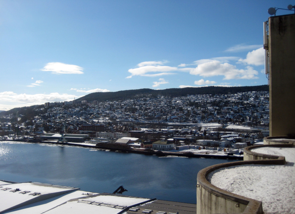 2013-03-13 Beautiful view over Drammen from existing silo.