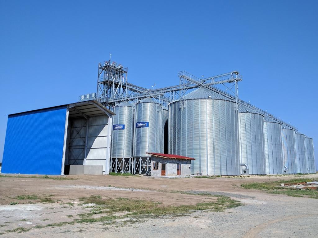 Storage capacity: 33 000 tons