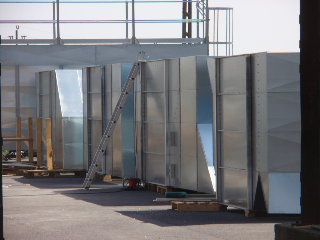 2012-04-04 The dryer sections are pre-mounted on the ground and are ready to be lifted together.