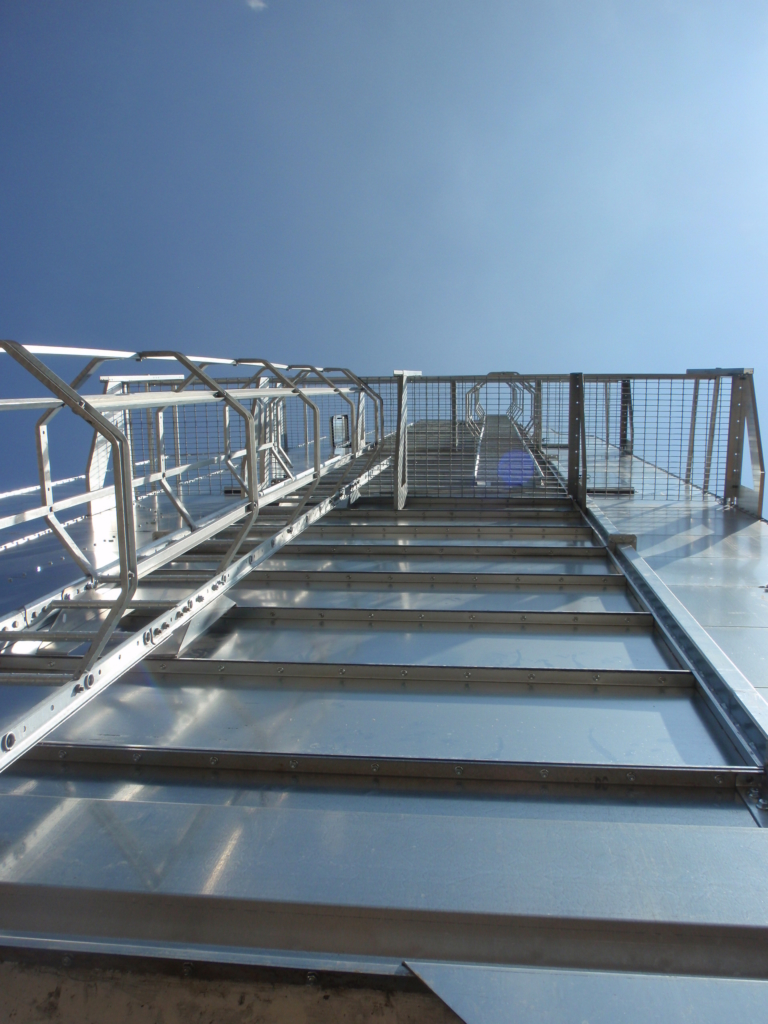 2015-05-16 Robust ladders with safety hoppers  and platforms for a safe working environment.