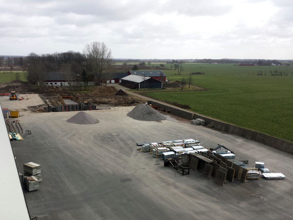 2014-03-17 View from the existing silo..