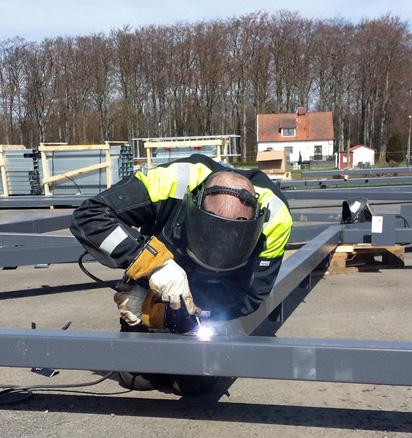 2014-04-15 Licenced welder in action