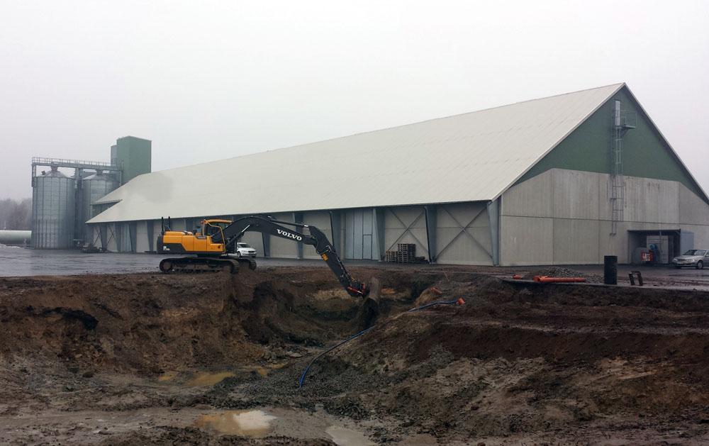 2014-02-19 Excavation work.