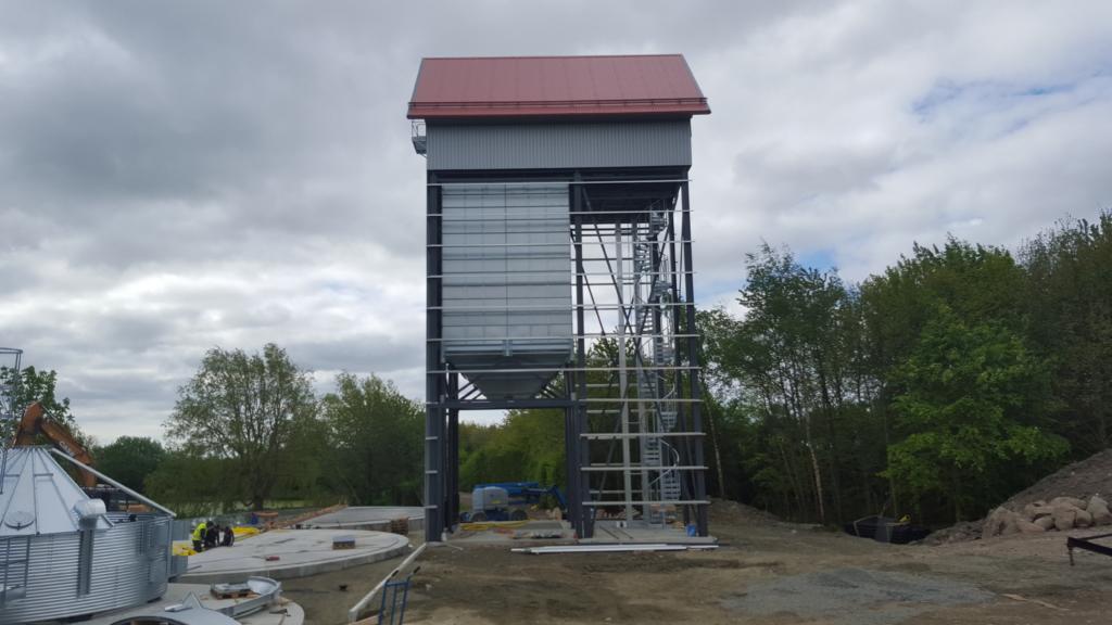 2016-05-17 Intagshuset börjar ta form