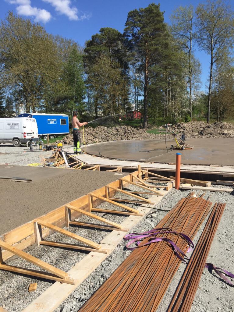 2017-05-24 Finjustering av betongplattan.