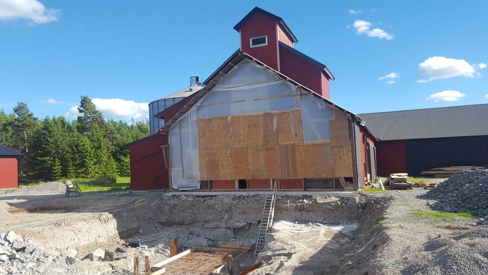 2017-06-20 Grunden till torkhuset står stadigt på berget.