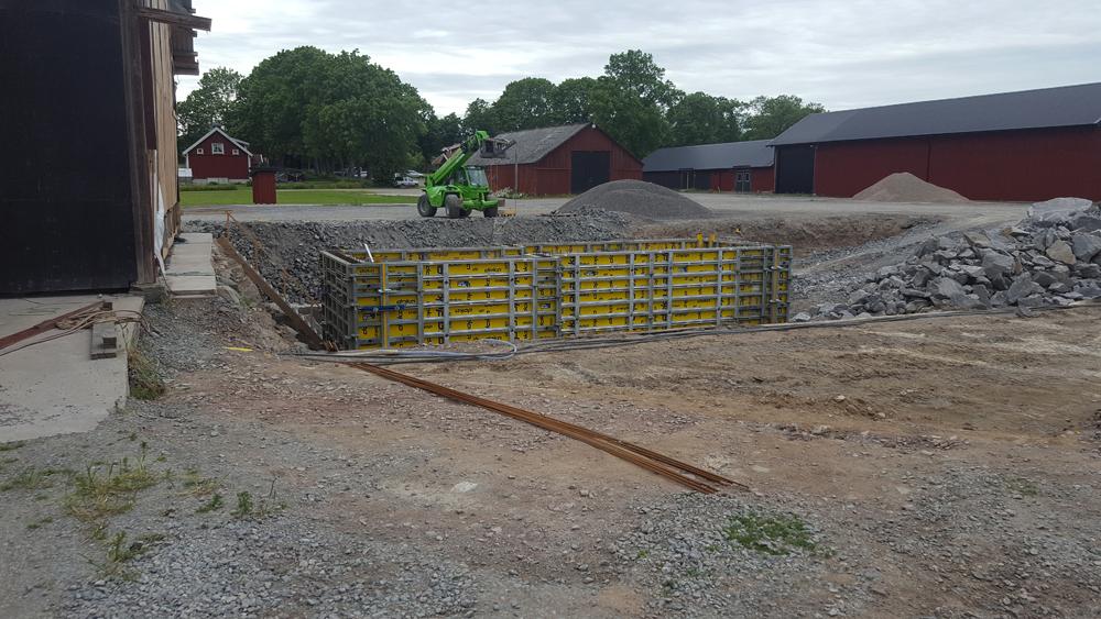 2017-09-20 Formningen till kulvertväggarna är klar och förberedd för gjutning.