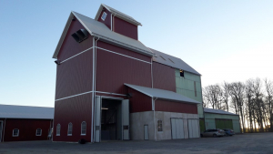 Tornums spannmålsanläggning på Närefors - Det färdiga torkhuset